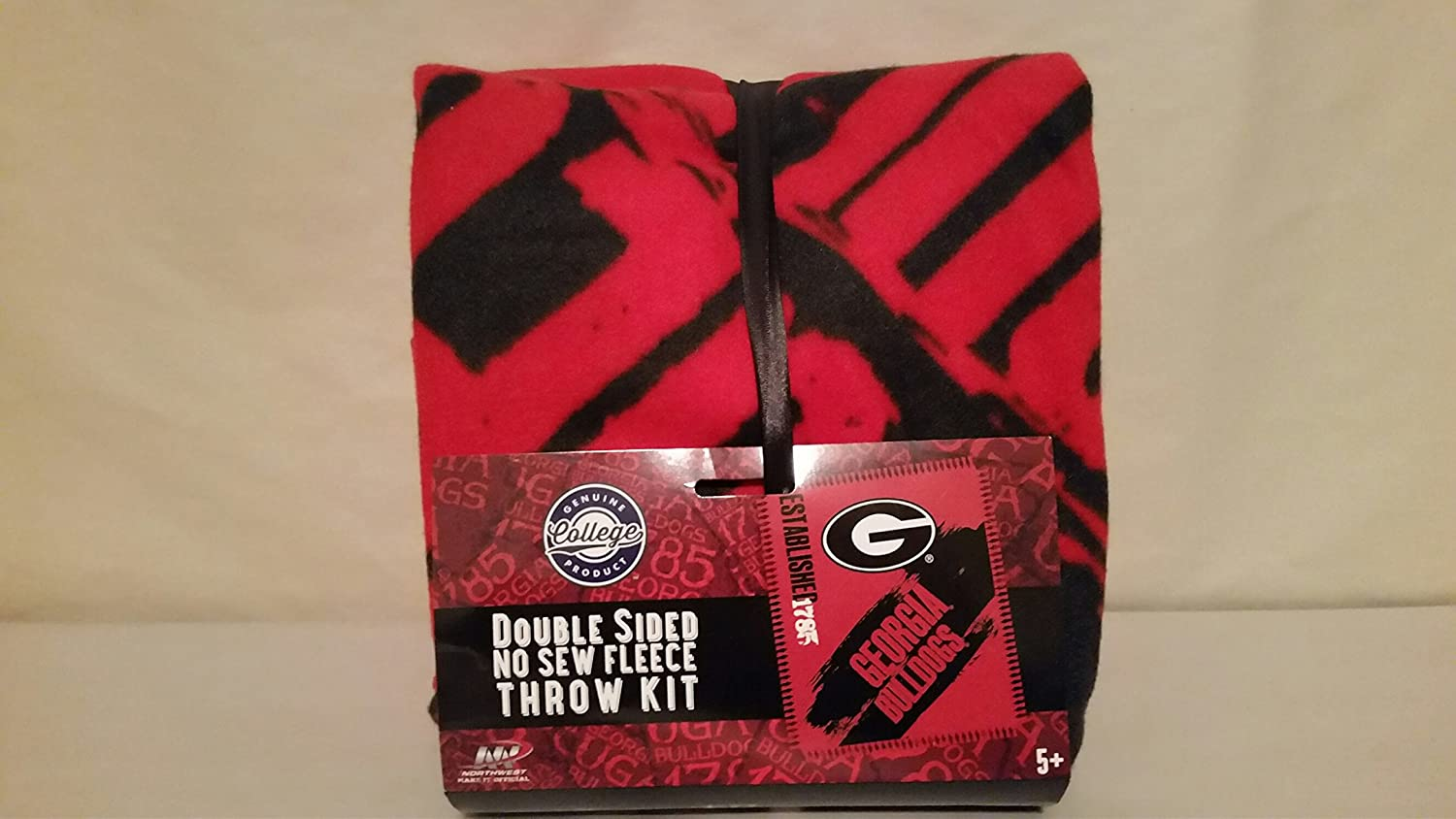 Amazon.com : The Northwest Company NCAA South Carolina Fighting Gamecocks Double Sided No Sew Fleece Blanket Kit : Sports & Outdoors
