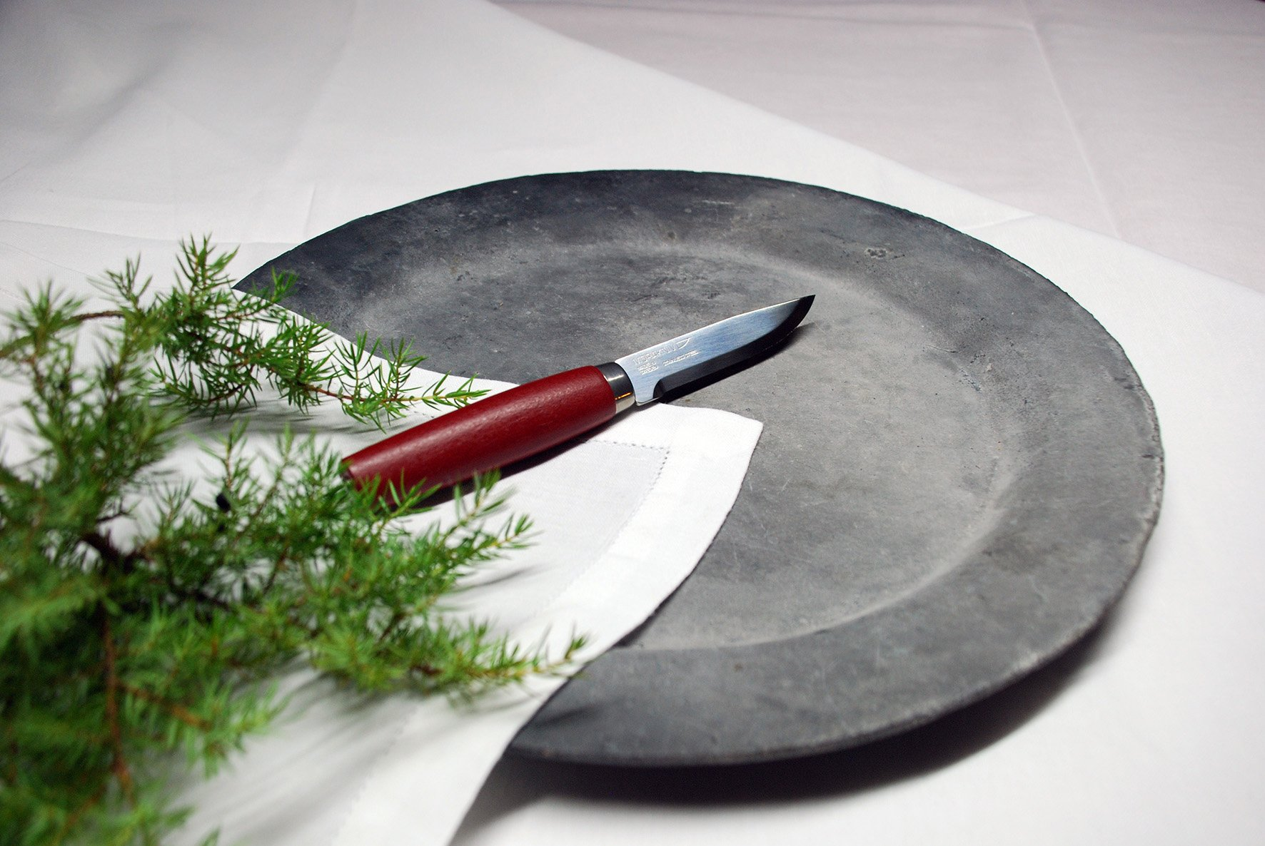 Frosts by Mora of Sweden Classic Steak Knife with 4.2-Inch Stainless Steel Blade and Red Birch Handle (Gift Set of 2) by Frosts by Mora of Sweden (Image #2)