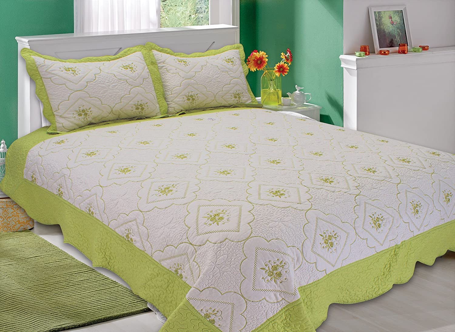 3-piece Reversible Bedspread/ Coverlet / Quilt Set lime green