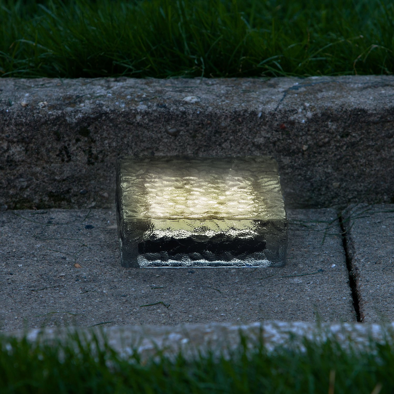 """6"""" X 6"""" Warm White Frosted Glass Solar Brick Paver Light With 5 Leds 10"""