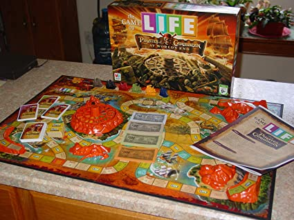 Milton Bradley Pirates of The Caribbean 3: The Game of Life by: Amazon.es: Juguetes y juegos