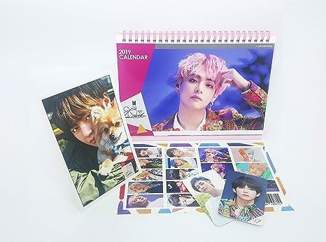 Calendario Fotografico 2020.Bts Bangtan Boys 2019 2020 Calendario Da Tavolo Supporto Foto Mini Photo Card Adesivi V Calendar