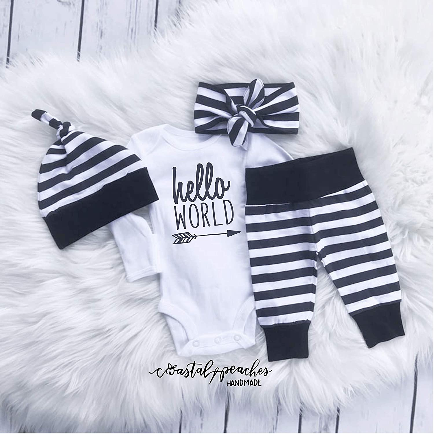Amazon com hello world infant coming home outfit gender neutral newborn outfit gender reveal pregnancy announcement baby shower gift hospital coming home