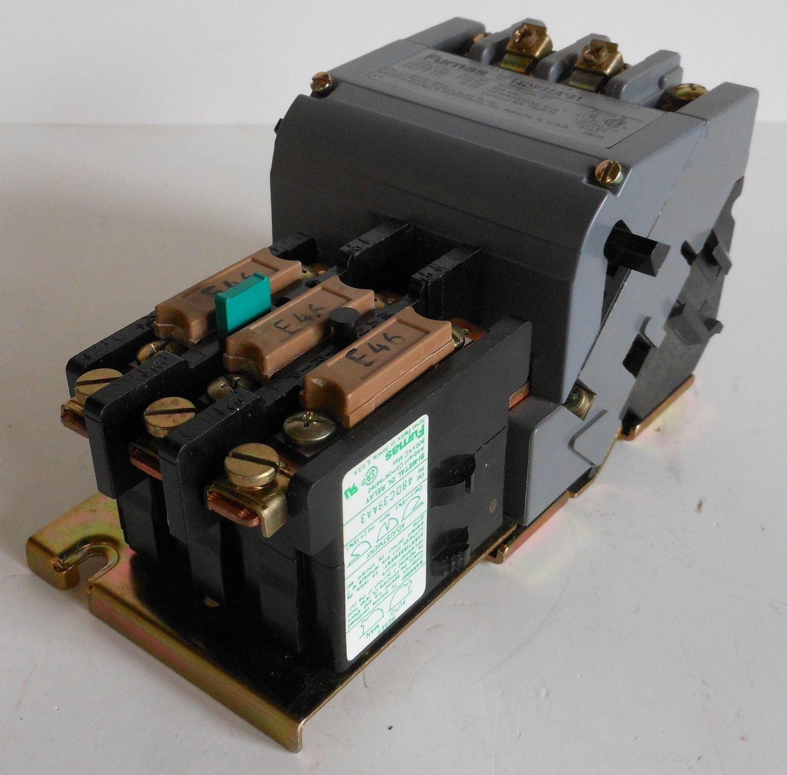 Siemens 14DP32AA81 Heavy Duty Motor Starter, Ambient Compensated Bimetal Overload, Manual/Auto Reset, Open Type, 3 Phase, 3 Pole, Standard Auxiliary Contacts, 1 NEMA Size, 27A Contactor Amp Rating, 110-120/220-240 at 60Hz Coil Voltage