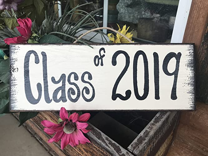 Amazoncom Class Of 2018 2019 Sign Reclaimed Wall 15 Sign Senior