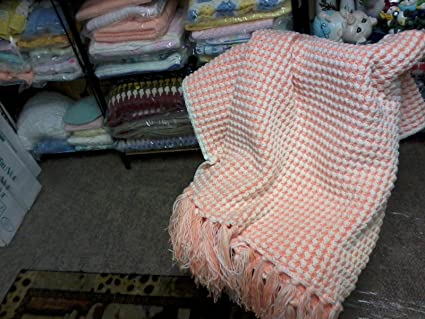 1 Afghan New Hand Crocheted Shell Stitch Peach Soft White 4
