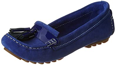 813747cd7c8 Clarks Women s Leather Loafers  Buy Online at Low Prices in India ...