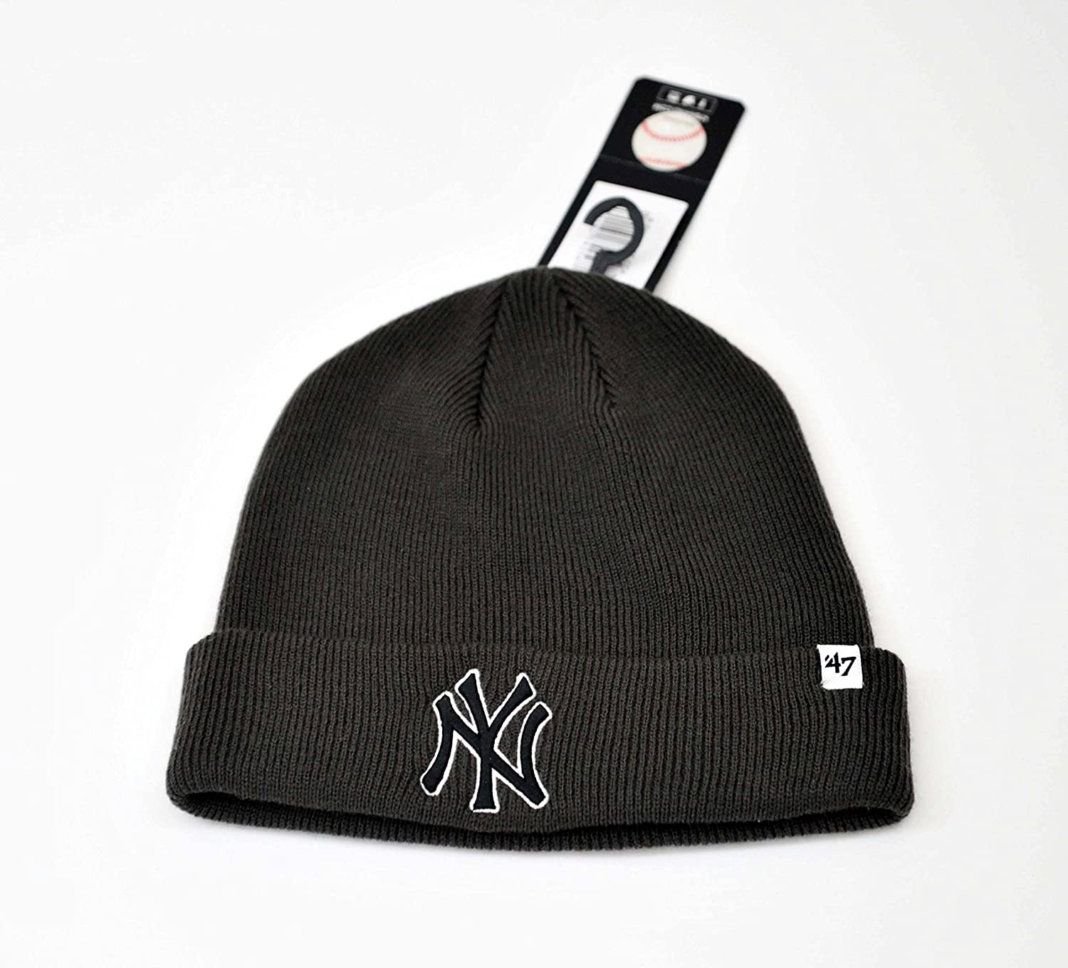 667d2cdb409 Amazon.com   MLB New York Yankees  47 Brand Cuff Knit Hat Beanie - Charcoal  Gray   Sports   Outdoors