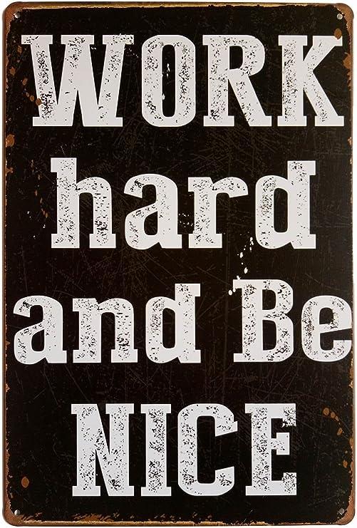 Amazon.com: erlood trabajar duro y BE NICE clásico Funny ...