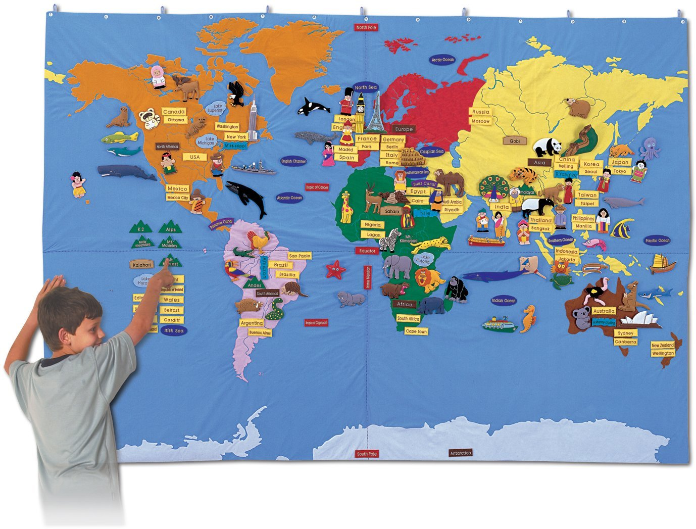 Amazoncom Eqd Giant World Map With Detachable Pieces Toys Games - Fao schwarz felt us wall map giant