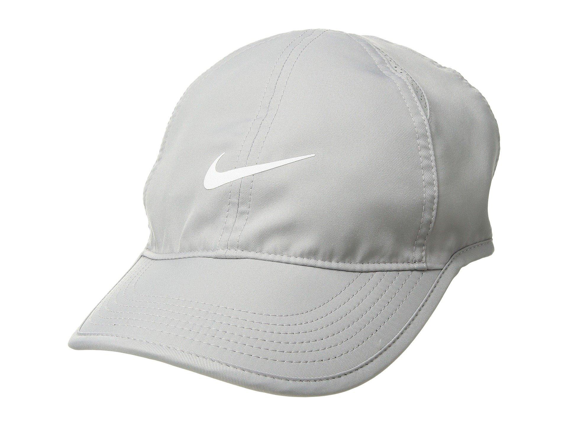 NIKE Women's NikeCourt AeroBill Featherlight Tennis Cap Atmosphere Grey/Black/White 1-Size (Atmosphere Grey/Black/White)