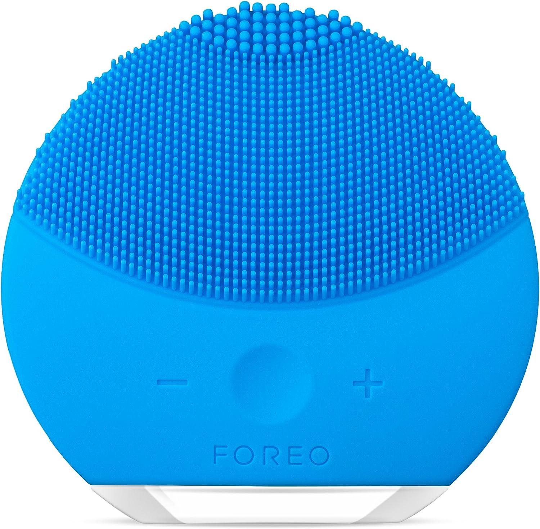 LUNA mini 2 de FOREO es el limpiador facial con modo anti-edad. Un cepillo facial sónico de silicona, para todo tipo de piel |Aquamarine| Recargable a través USB