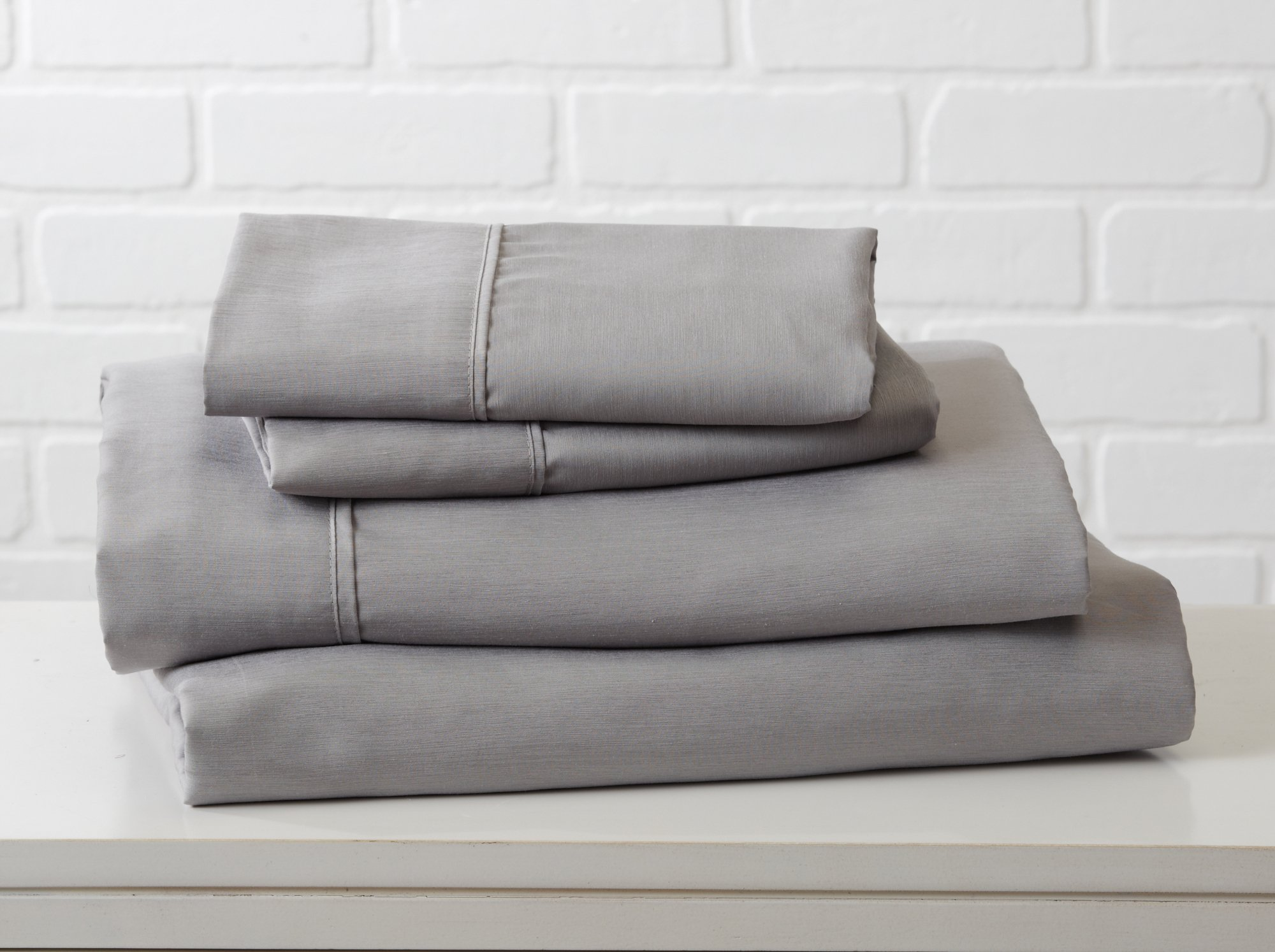 Great Bay Home Luxury Ultra Soft Bamboo Sheet Set. Spa-Quality, Comfortable, All-Season Bed Sheets. By Brand. (King, Paloma Grey)