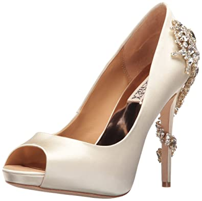 5c984bb4e63c Badgley Mischka Women s Royal Dress Pump Ivory 5 ...