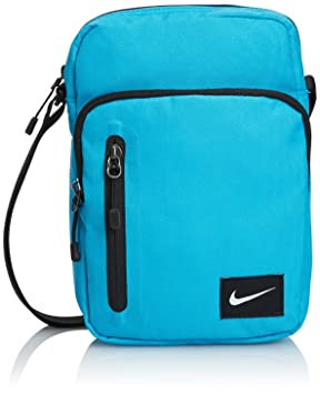 bb3aa144a0 Nike Bag Core Small Items II  Amazon.co.uk  Sports   Outdoors