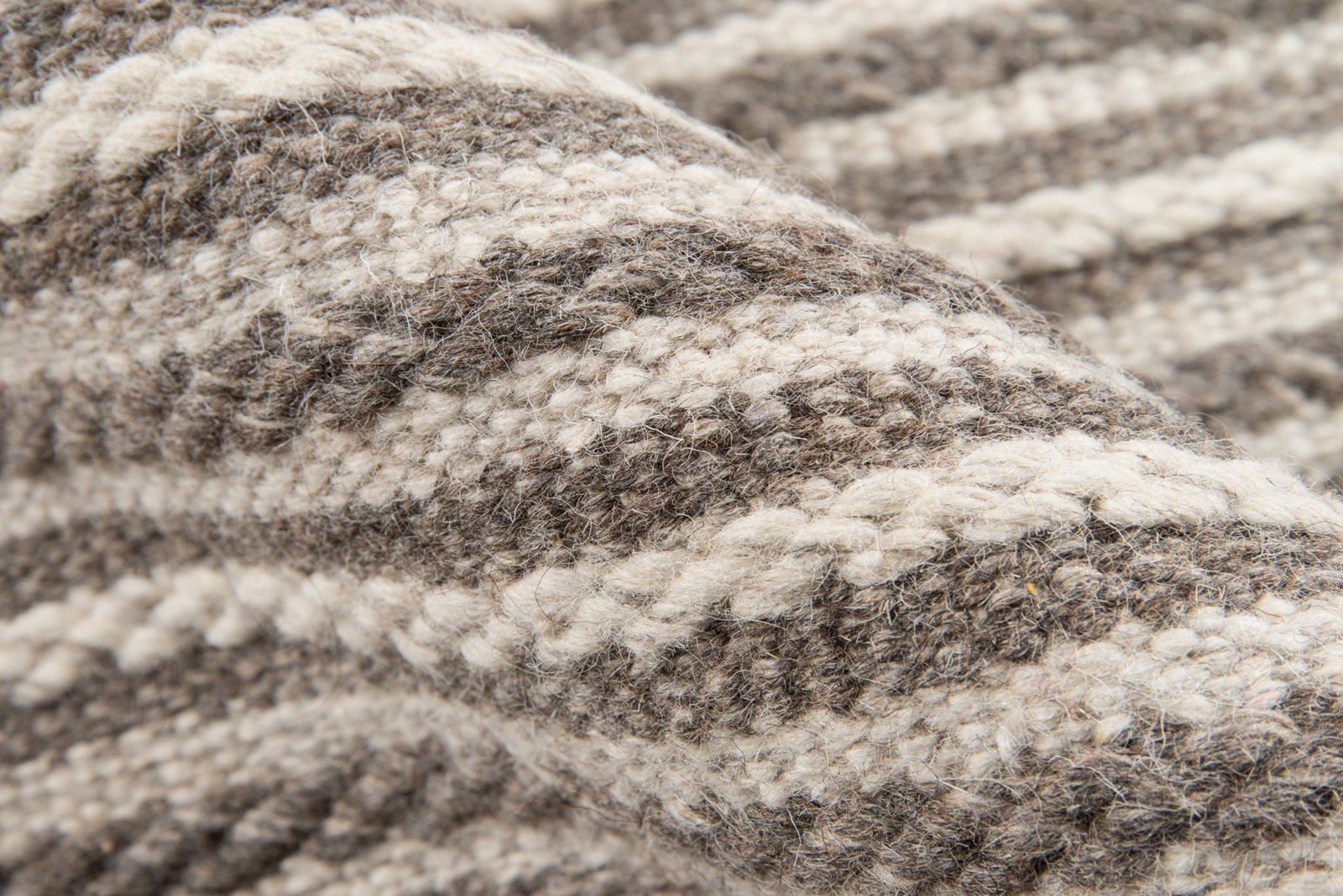 Momeni Rugs MESA0MES-3NAT5080 Mesa Collection, 100% Wool Hand Woven Flatweave Transitional Area Rug, 5' x 8', Natural Brown by Momeni Rugs (Image #4)