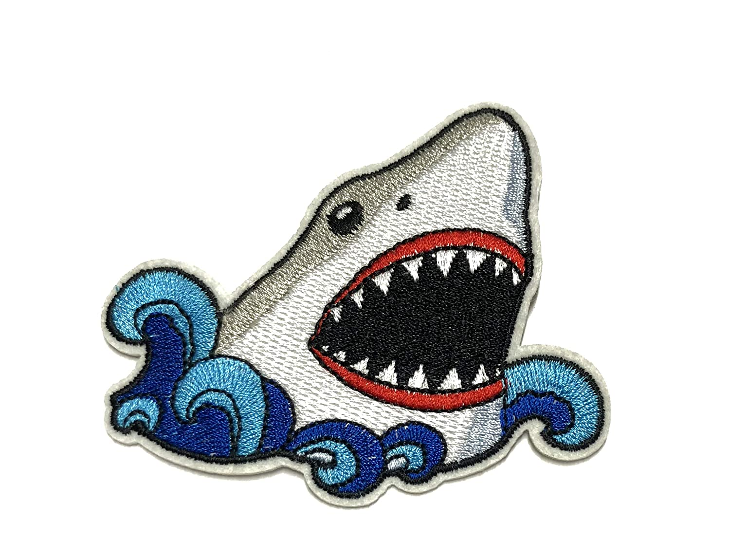 Great White Shark Embroidered Patch Sea World Ocean Series Sharks Whales Fish Meg Megalodon Aquarium Zoo Theme Iron-on or Sew-on Emblem Badge DIY Appliques Application Fabric Patches