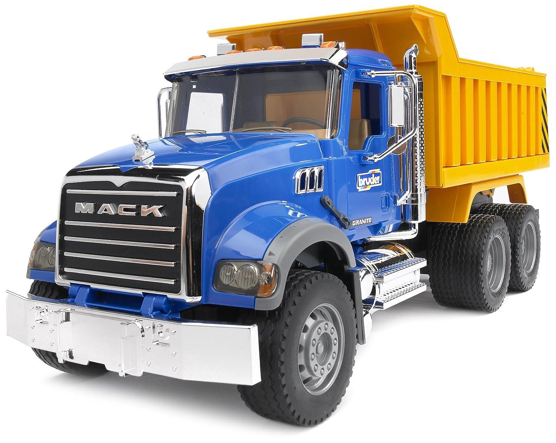 amazon com bruder mack granite dump truck toys u0026 games