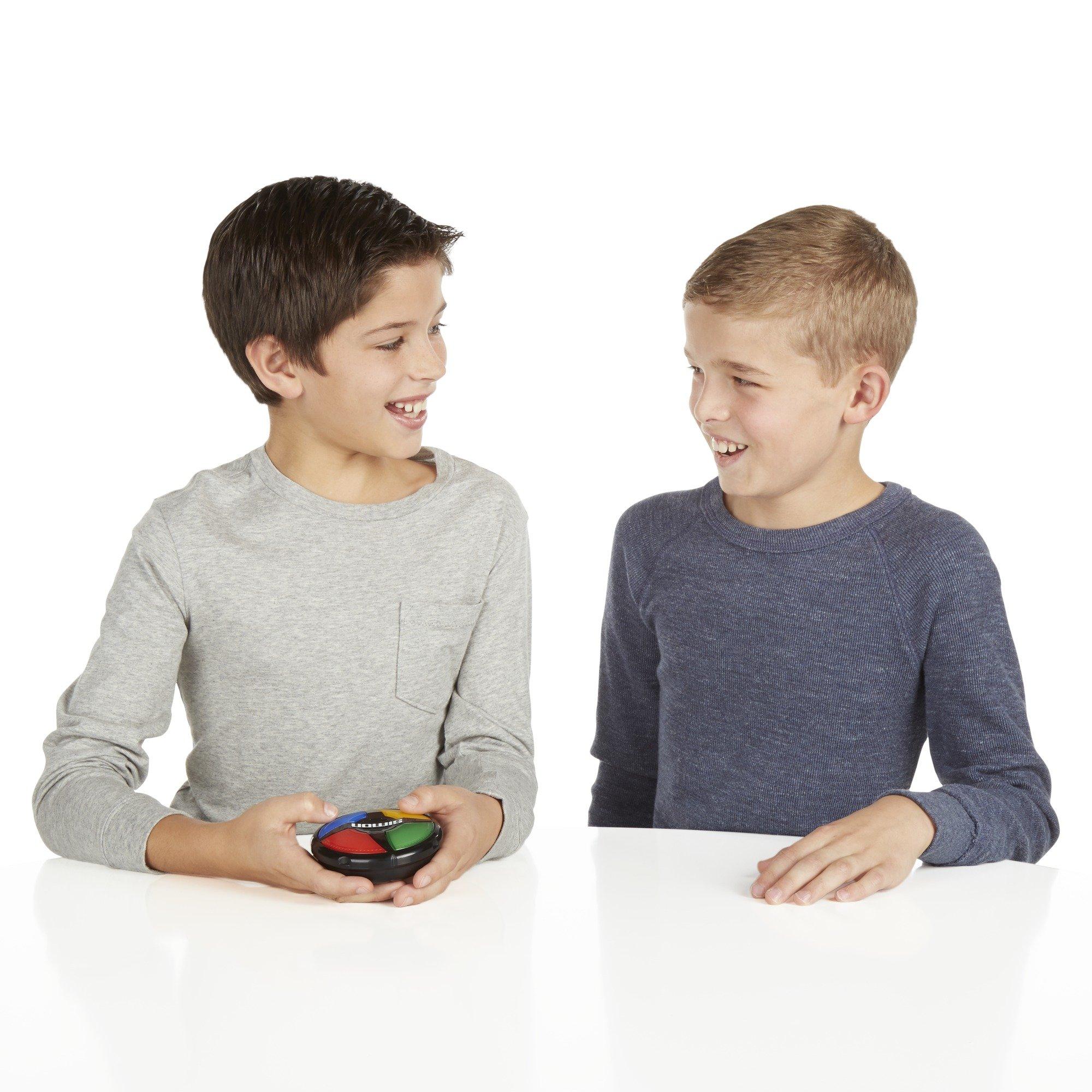 Hasbro Gaming Simon Micro Series Game by Hasbro Gaming (Image #9)