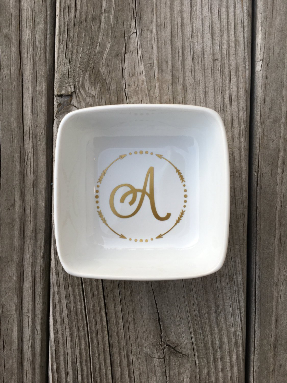 Monogram Ring Dish, Monogram Arrow Jewelry Dish, Single Monogram, Ring Dish, Ring holder, Jewelry dish, Bridal gift, Initial Ring Dish