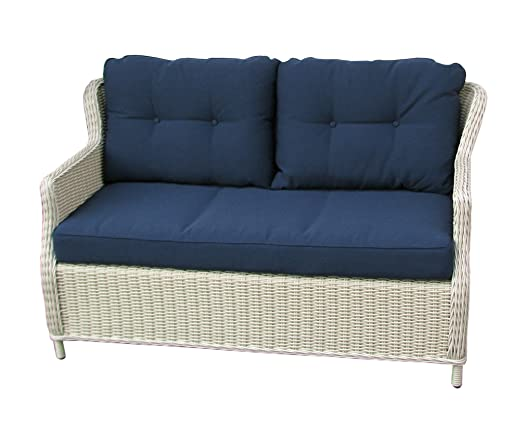 Conjunto de muebles clásicos de ratán, elegantes y cómodos ...