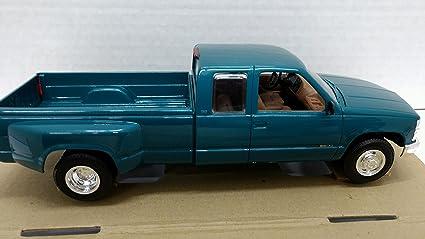 Amazon Com Amt 6992eo 1995 Chevrolet C3500 1 25 Scale Built