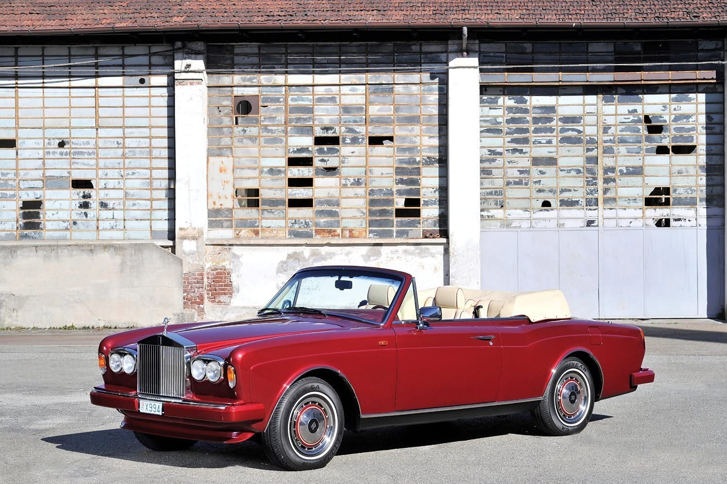 Amazon Com Rolls Royce Corniche Iv 1992 1996 Car Print On 10 Mil Archival Satin Paper Red Front Side Static View 18 X24 Posters Prints