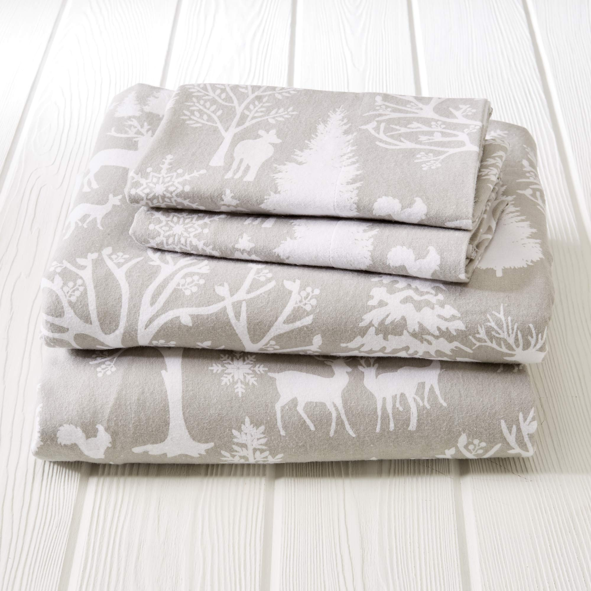 Great Bay Home Extra Soft Enchated Woods 100% Turkish Cotton Flannel Sheet Set. Warm, Cozy, Lightweight, Luxury Winter Bed Sheets. Belle Collection (King, Enchanted Woods) by Great Bay Home (Image #3)