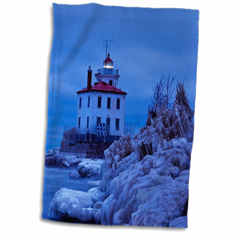 3D Rose Wintry ICY Night Harbor Lighthouse Fairport Ohio USA TWL/_189546/_1 Towel 15 x 22