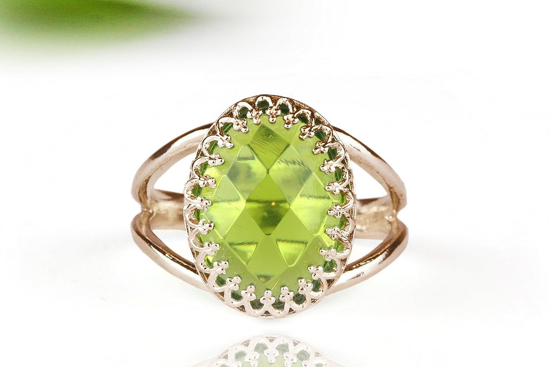 Peridot ring, birthstone ring, rose gold ring, pink gold ring, green ring, precious stone ring, oval ring, custom ring