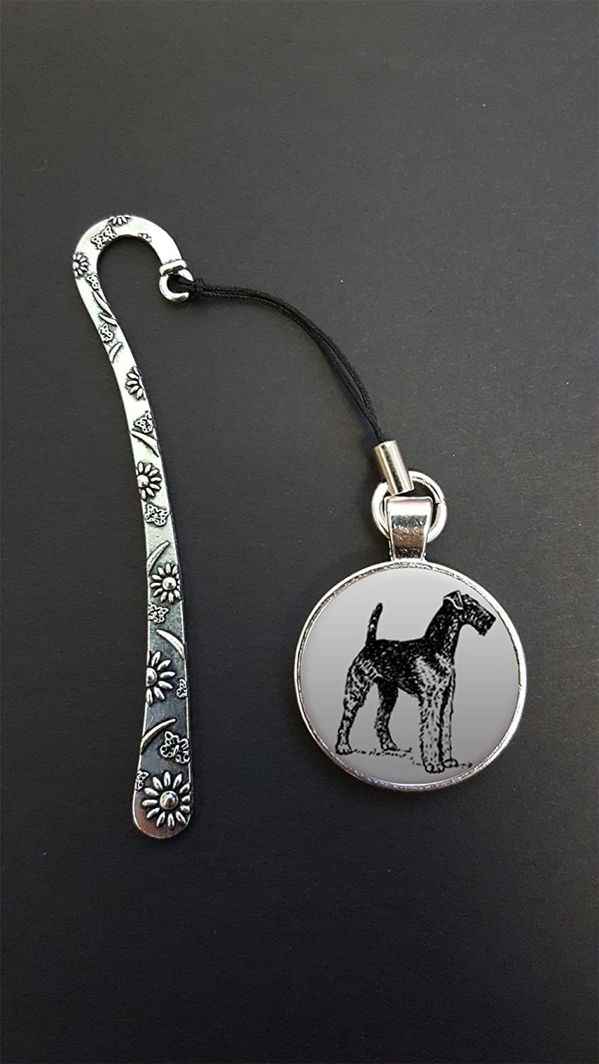 Airedale Terrier Pendant On a Metal Design Bookmark Ideal Birthday Gift N609