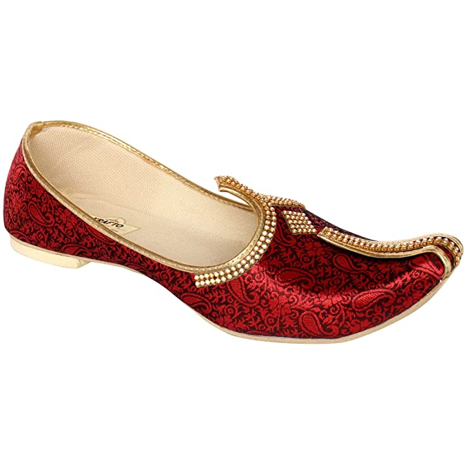 b244ba65f3e1 Krafto Men s Red Silk Sherwani Jutti  Amazon.in  Shoes   Handbags