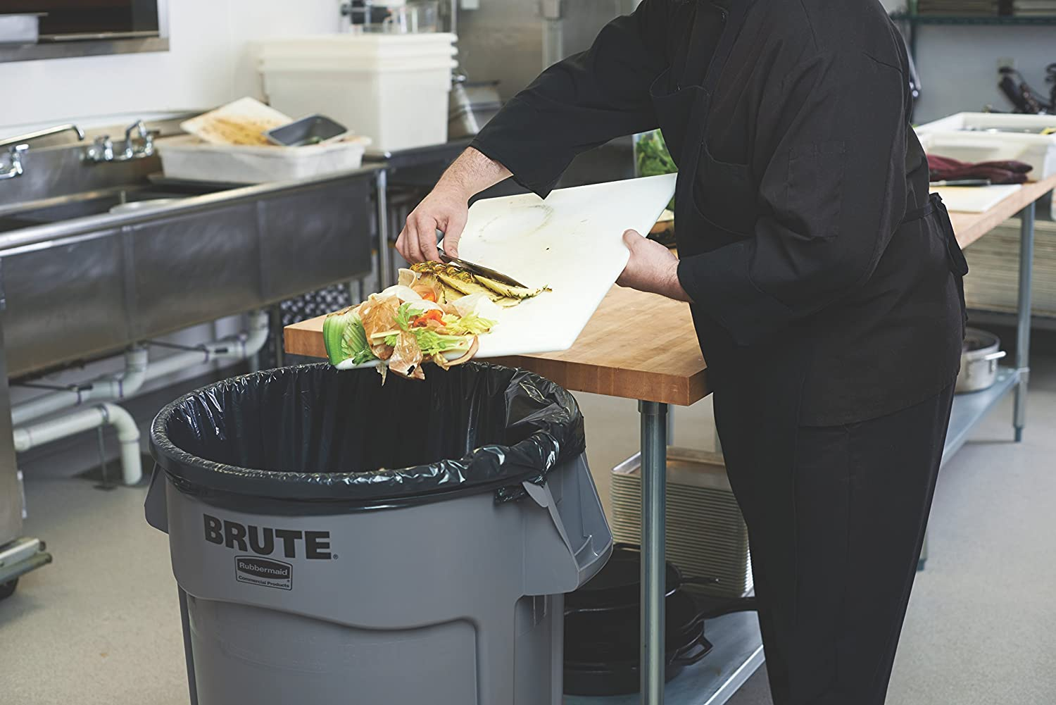 Rubbermaid Commercial Products FG261000GRAY BRUTE Heavy-Duty Round Trash//Garbage Can 10-Gallon Gray