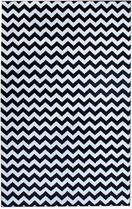 Amazon Com Contemporary Black Chevron Striped Rug 5 Feet By 8 Feet