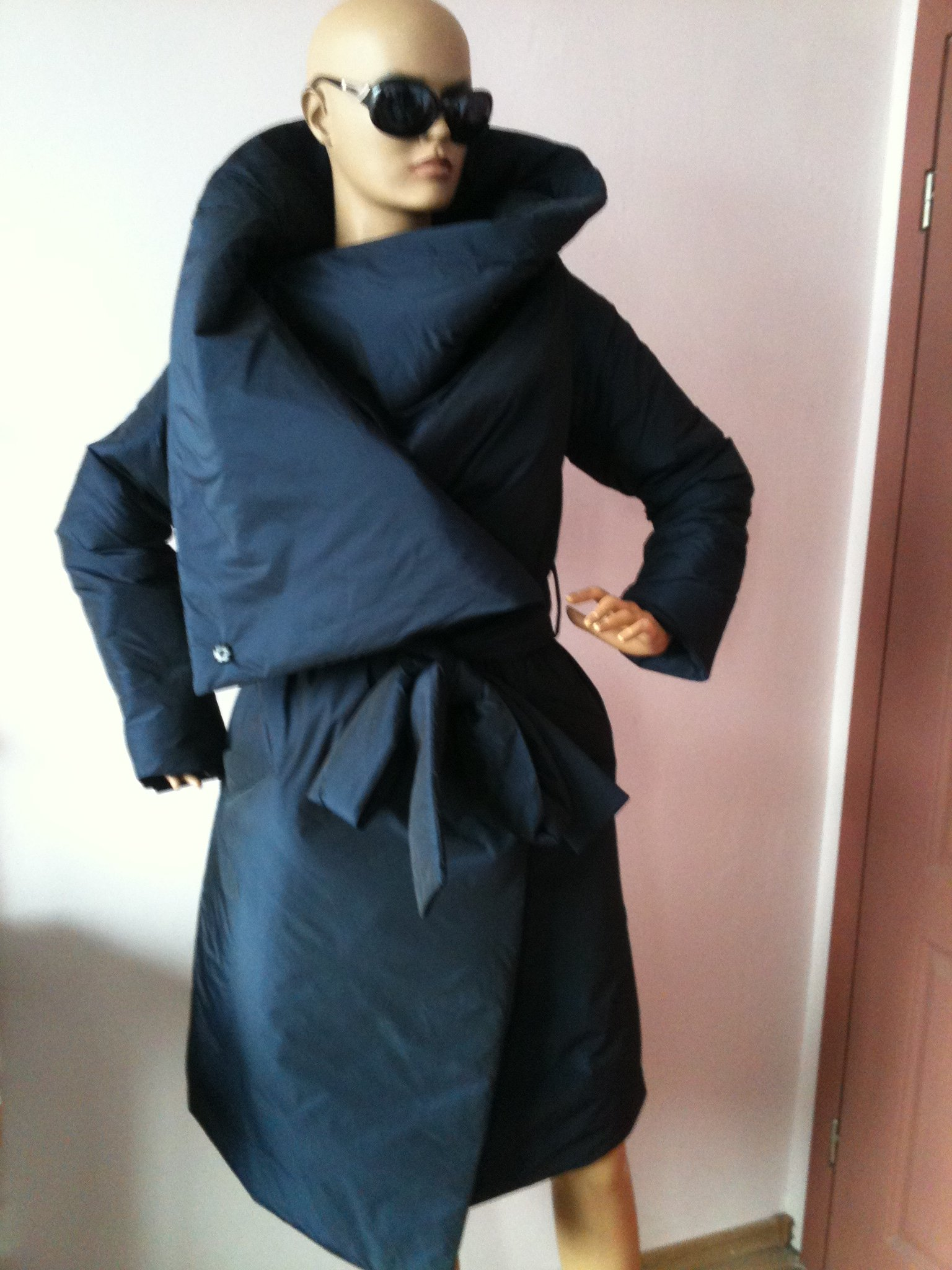 Loose winter collar square down jacket/Atmosphere comfortable and warm asymmetrical wrap overcoat in blue.