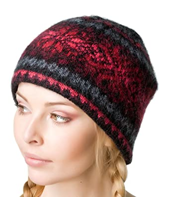 64be3fabc70 Amazon.com  Freyja Canada Winter Wool Hat Beanie Cap Fair Isle Authentic  Icelandic Wool Women Men 2 Ply Knitted Extra Warm  Clothing