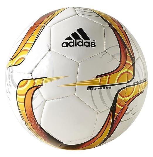 2 opinioni per Adidas Pallone Calcio Calcetto Europa League Capitano S90265 misura 4