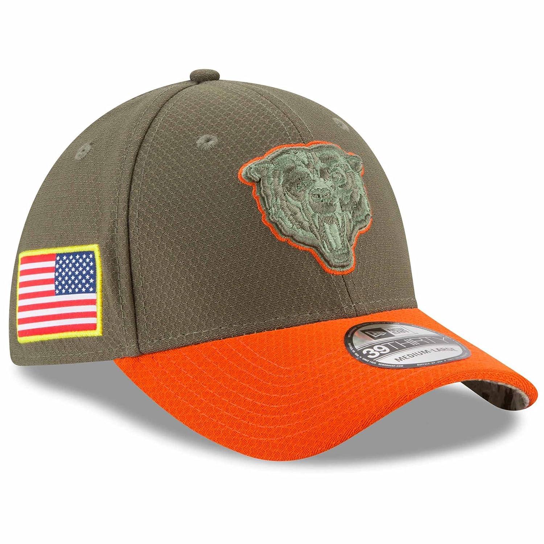 best service 8be9b 54c27 Amazon.com   New Era Chicago Bears NFL 2017 Salute to Service 39THIRTY Cap    Clothing
