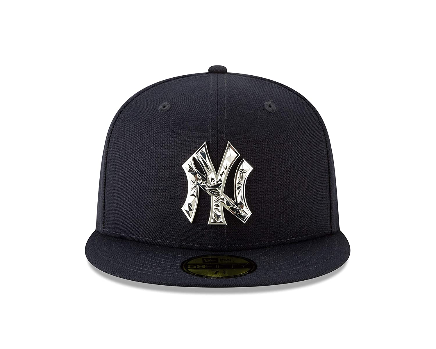 21c36389 Amazon.com: New York Yankees New Era Fractured Metal Fitted 59Fifty MLB Hat  - Navy/Silver (7 1/4): Clothing