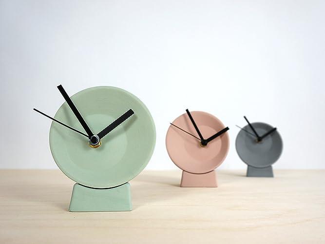 Off center desk clock horloge de bureau décentré néerlandais