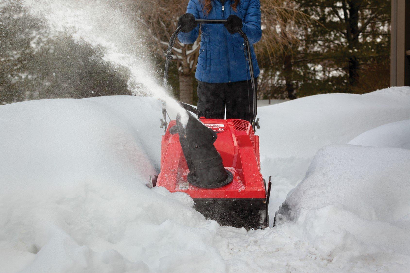 Troy-Bilt Squall 2100 208cc Single-Stage Gas Snow Thrower