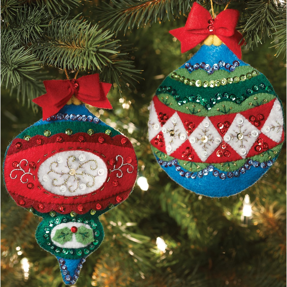 Traditional look felt stitched ornaments for the Christmas tree