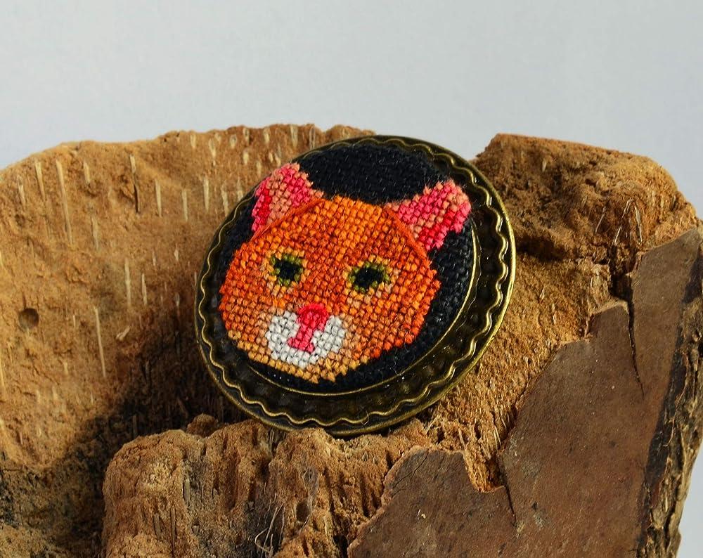 Crochet cat brooch | Etsy | 794x1000