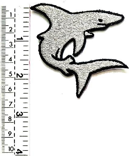Parche de tiburón gris con diseño de tiburón saltando a la piscina ...