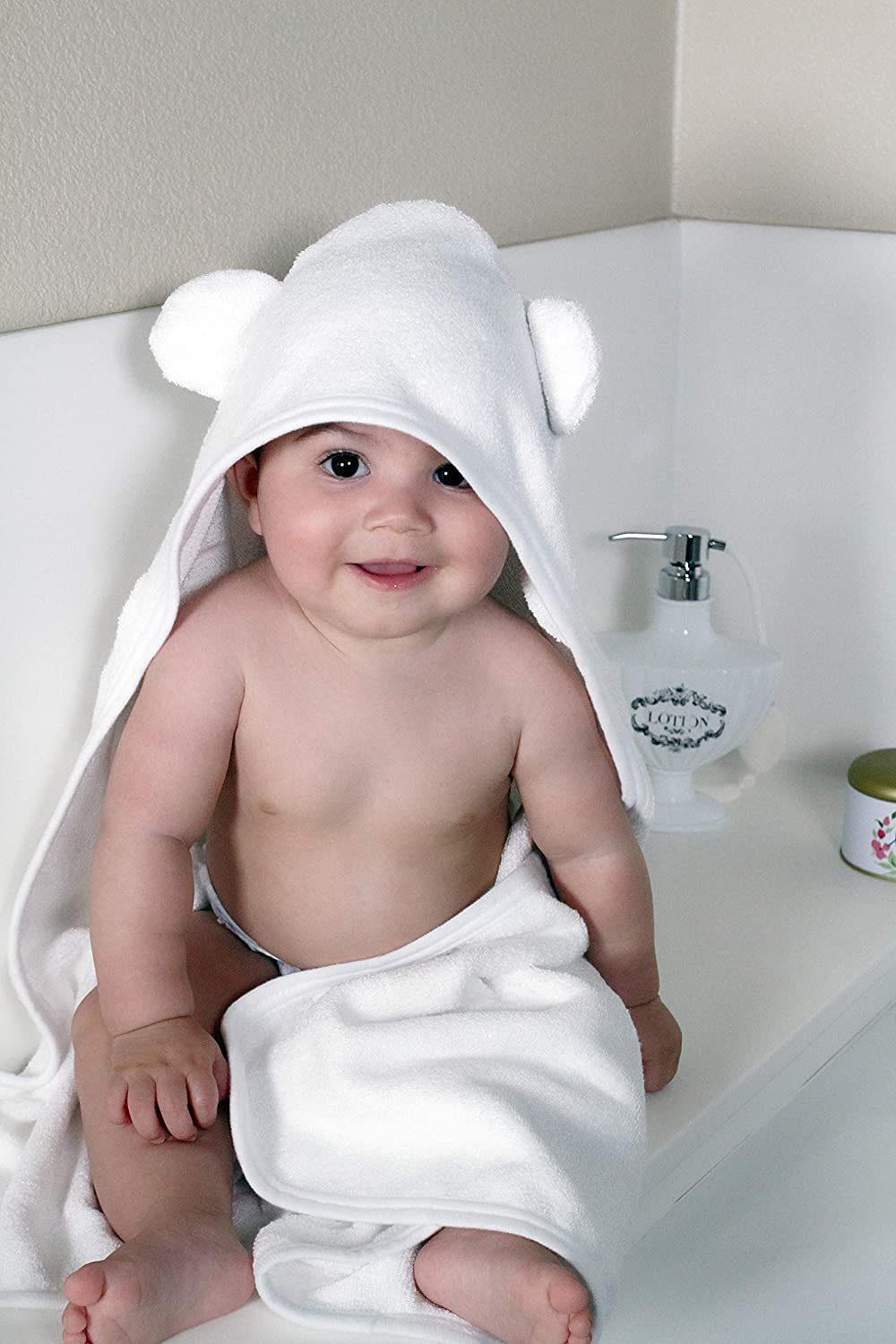 Amazon.com : Premium Bamboo Hooded Baby Towel and Washcloth Set: Organic, Ultra Soft Antibacterial and Hypoallergenic Bath Towels for Newborn or Infant Boy ...