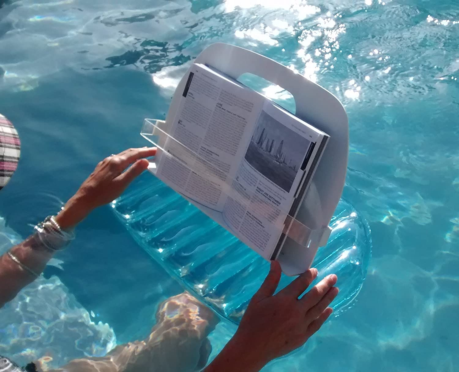 Amazon.com : AquaReader Floating Book/Tablet Caddy for Bath, Pool ...