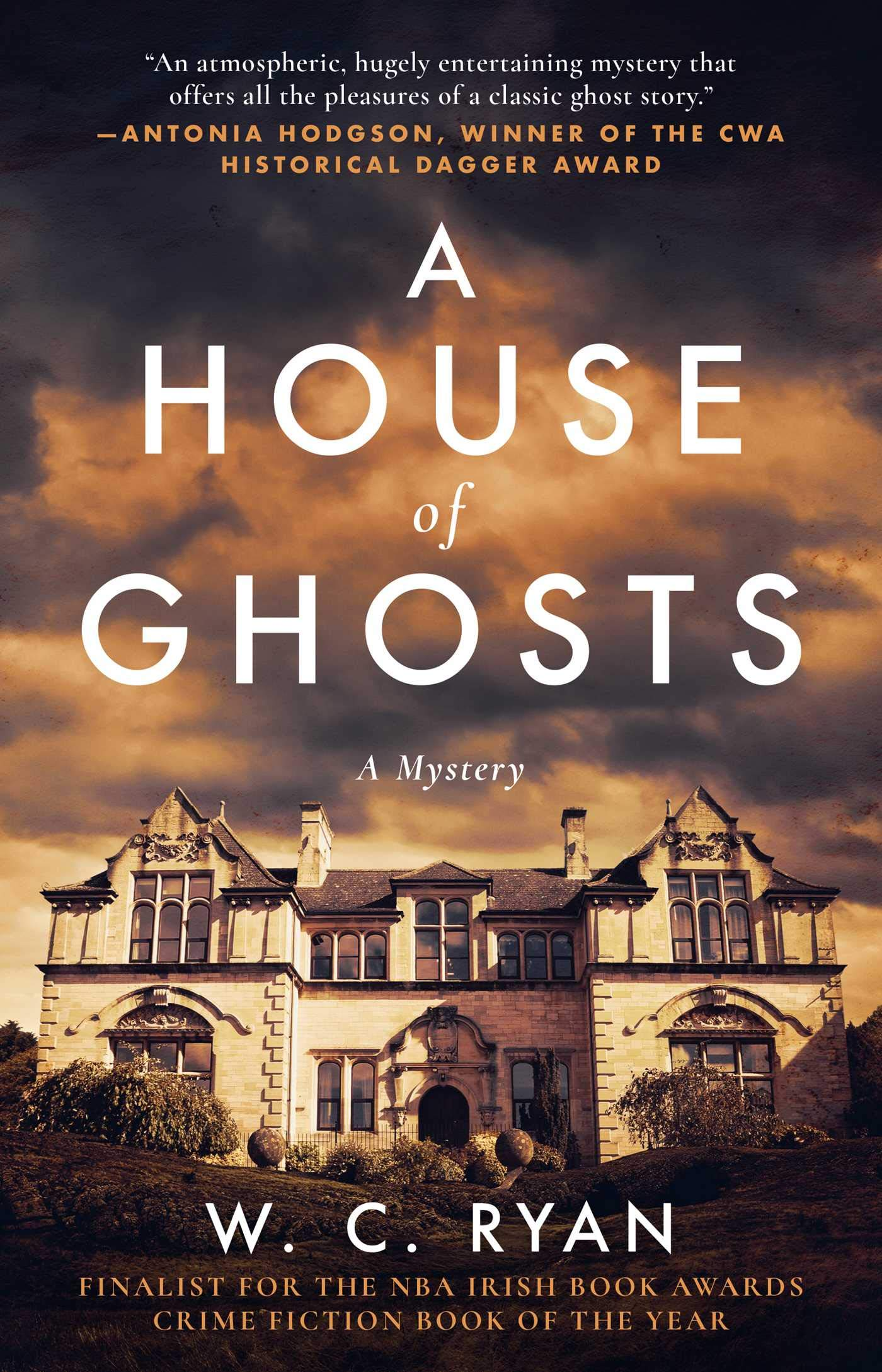 A House of Ghosts: Amazon.it: Ryan, W. C.: Libri in altre lingue