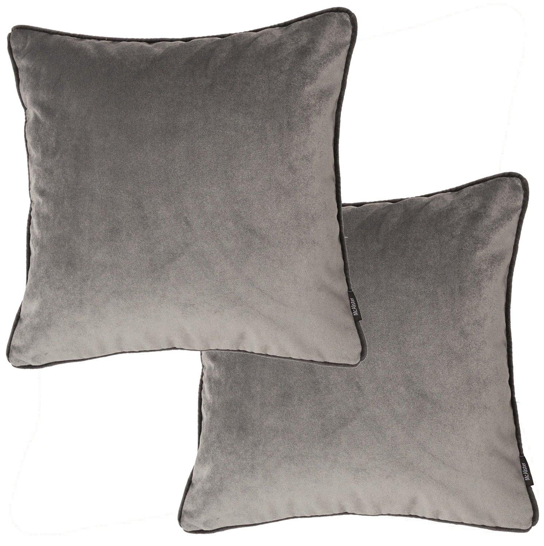 McAlister Textiles Luxury Kollektion   2er Packung Matte Samtkissen mit Füllung 40cm x 40cm in Silbergrau   Deko Kissen für Sofa, Couch, Sessel Bett in luxuriösem Designer Plüsch