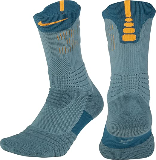 c83fffe9d2e Amazon.com  Nike Men s Elite KD Versatility Crew Basketball Socks ...