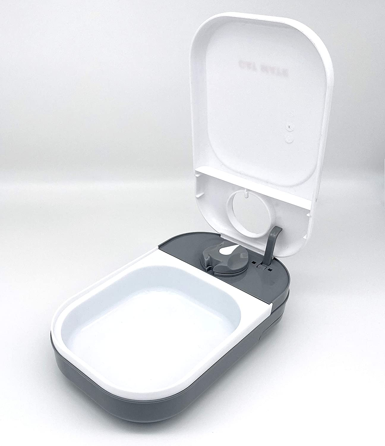 Cat Mate C100 Automatic Pet Feeder - Holds 14 oz. of Wet Food - Suitable for All Cats and Small Dogs